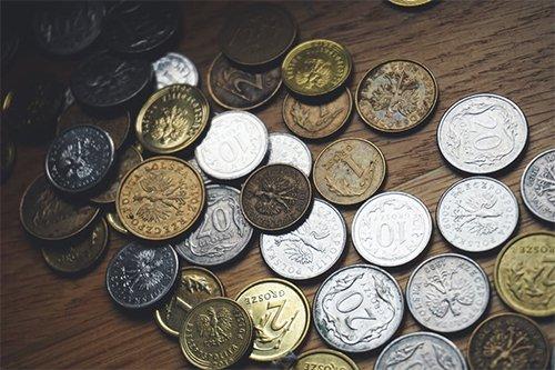 NOK eller euro? Lokal valuta er alltid det beste når du bruker kortet ditt i utlandet.